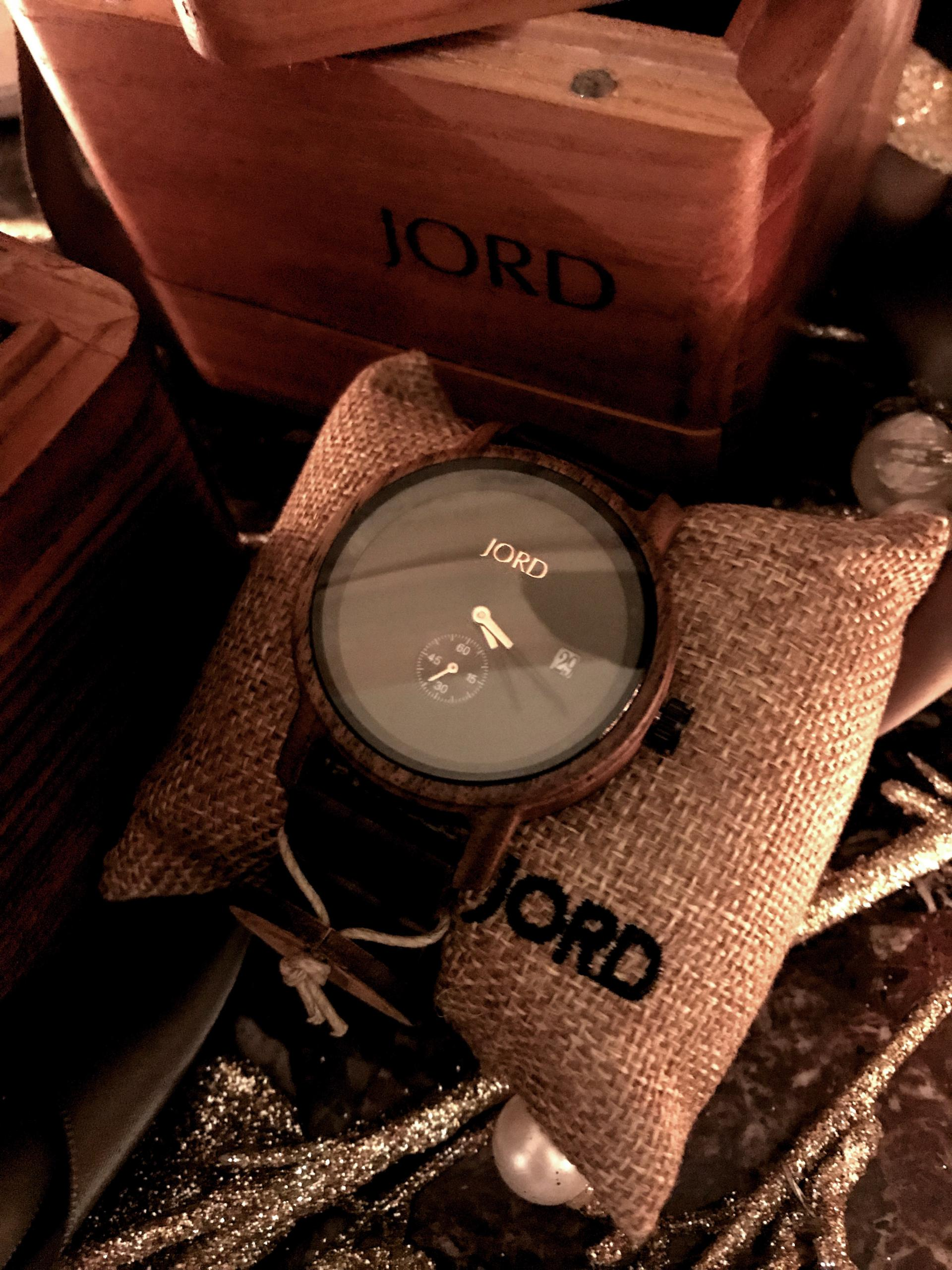 jord-watch-gifting